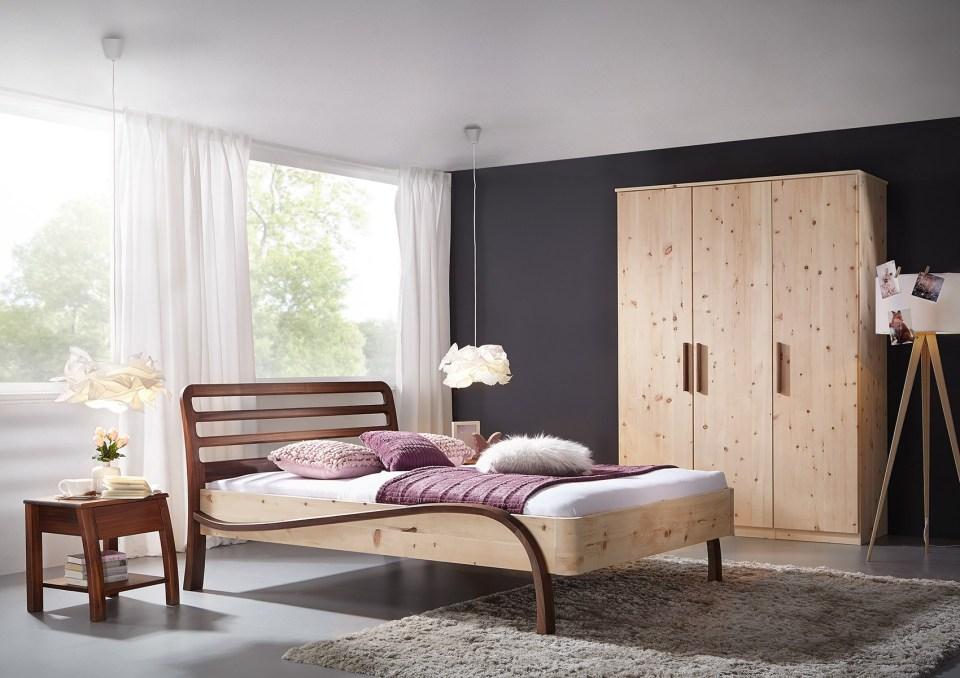 Bett Facette Nussbaum mit Zirbenholz
