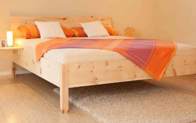 Massivholzbett Zirbenschlaf