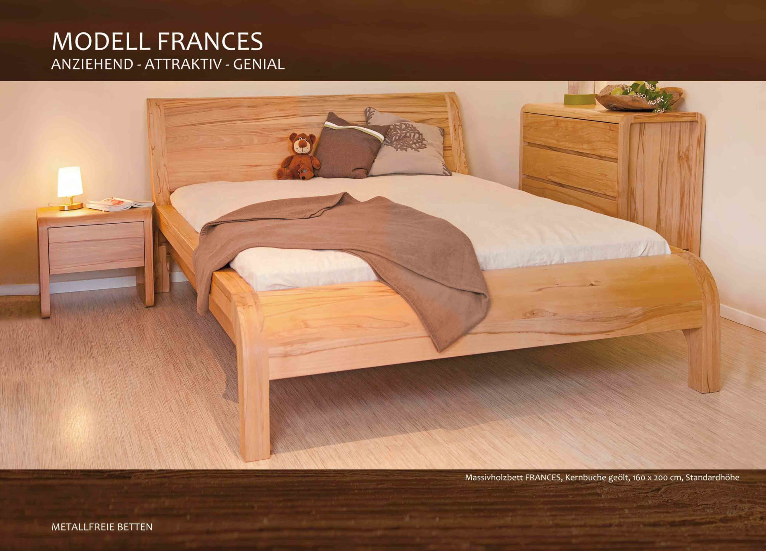 Massivholzbett Frances in Kernbuche