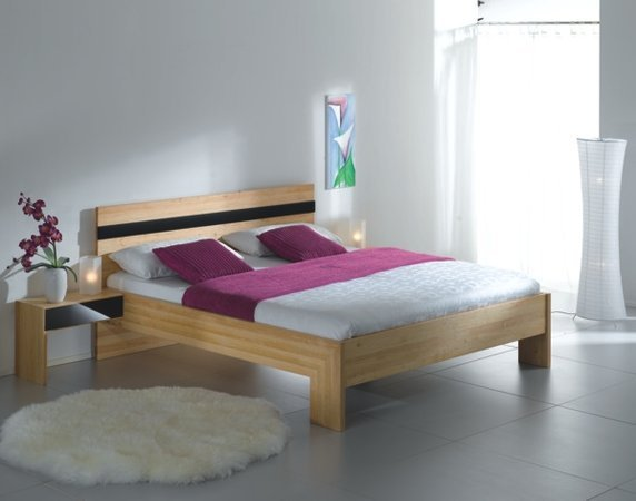 t drei betten aus massivolz mit metallfreien eckverbindungen. Black Bedroom Furniture Sets. Home Design Ideas